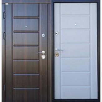 """Двери входные """"МИРА NEW""""    Внутренняя накладка белый мат Наружная накладка орех мореный  850(950)*2030мм  для квартиры Производитель Steel Art"""
